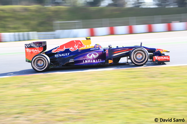 mark_webber_test-bcn-2013_david-sarro
