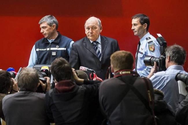 rueda_prensa-policia-fiscal_michael_schumacher-accidente
